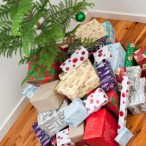 gifts_under_tree